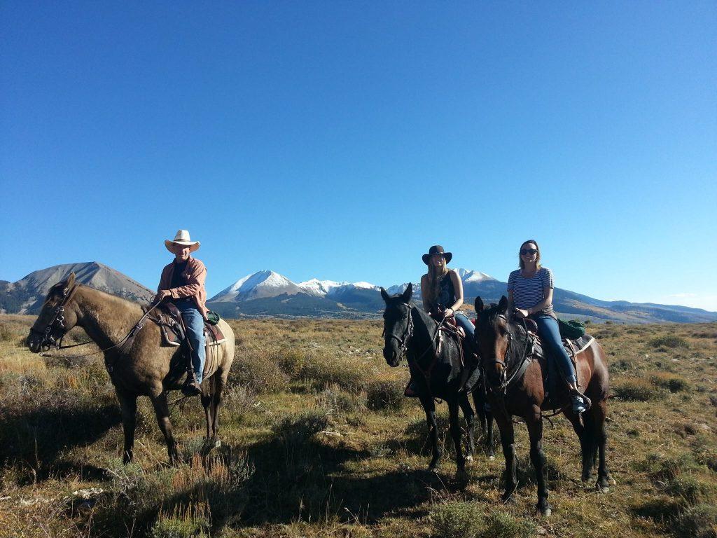 On the high ridge with Heidy and Sannon